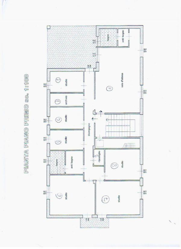 Ufficio / Studio in vendita a Massa, 9 locali, prezzo € 450.000 | Cambio Casa.it
