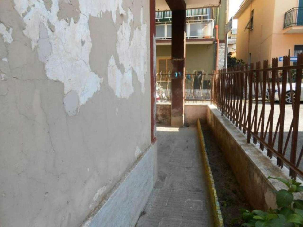 Bilocale Nettuno Via Umbria 4