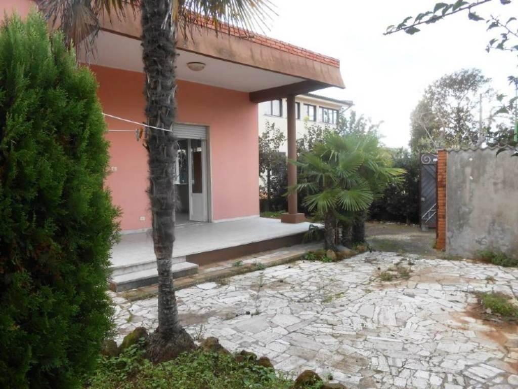 Bilocale Anzio Via Valle Schioia 2