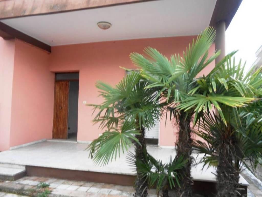 Bilocale Anzio Via Valle Schioia 7