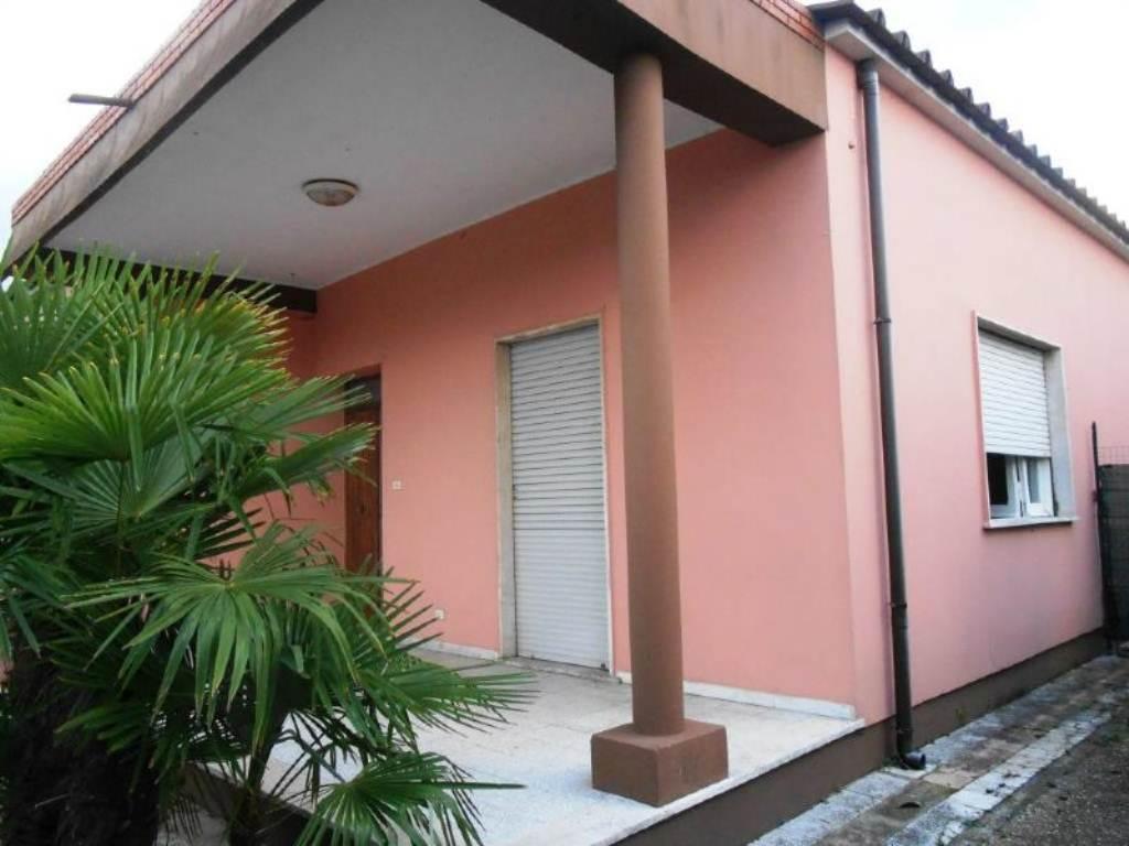 Bilocale Anzio Via Valle Schioia 8