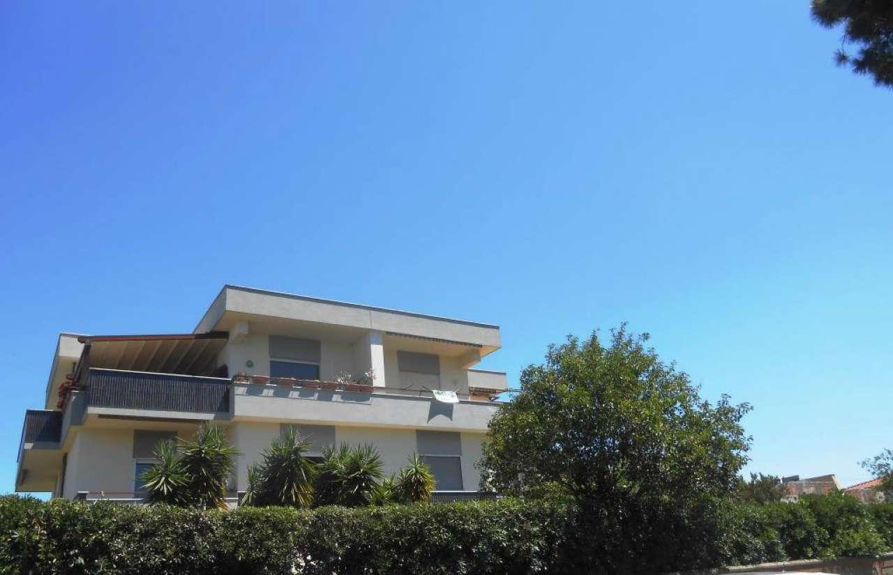 Attico / Mansarda in vendita a Anzio, 2 locali, prezzo € 75.000 | CambioCasa.it