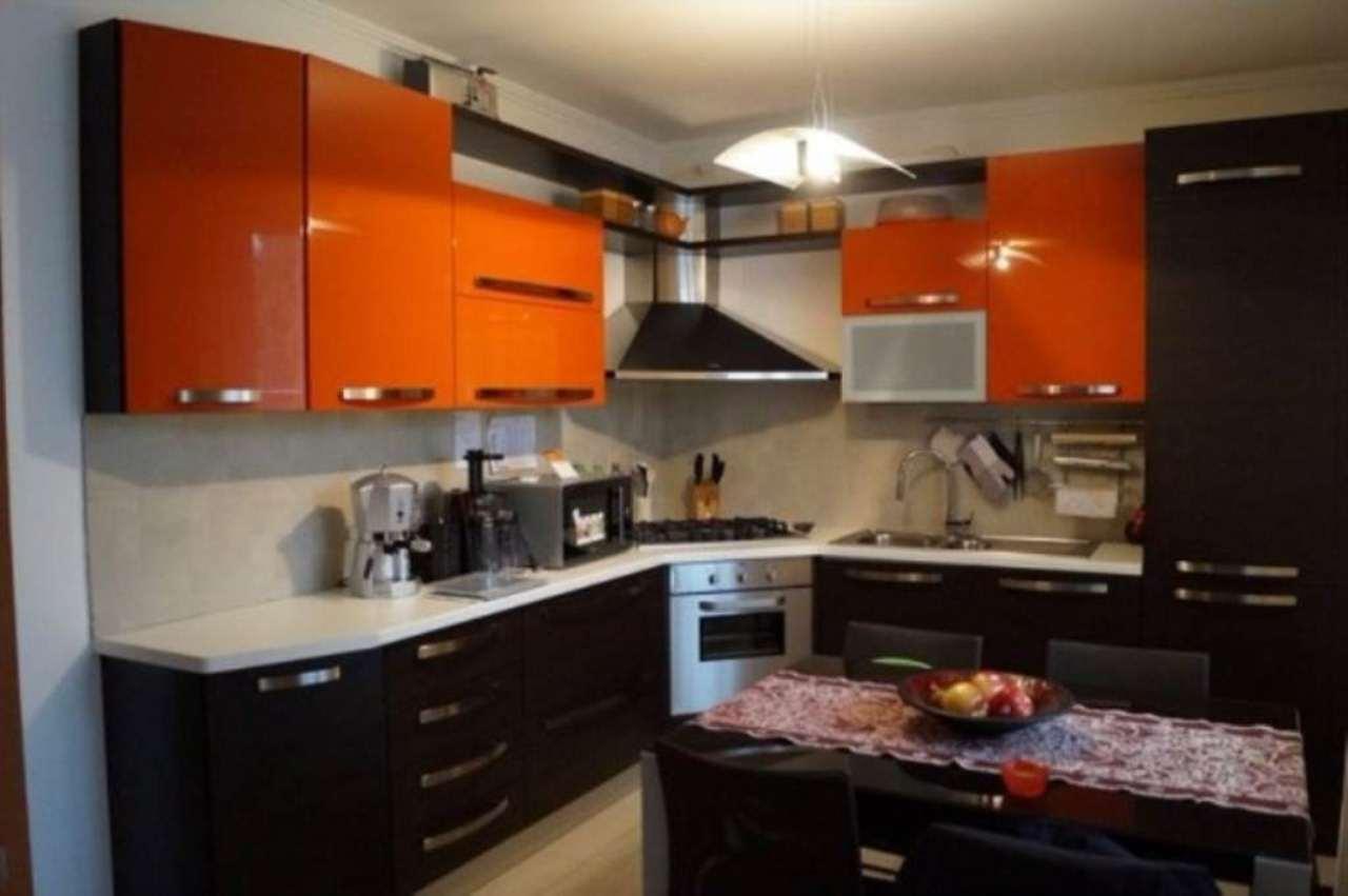 Appartamento in vendita a Sesto Calende, 3 locali, prezzo € 185.000   Cambio Casa.it