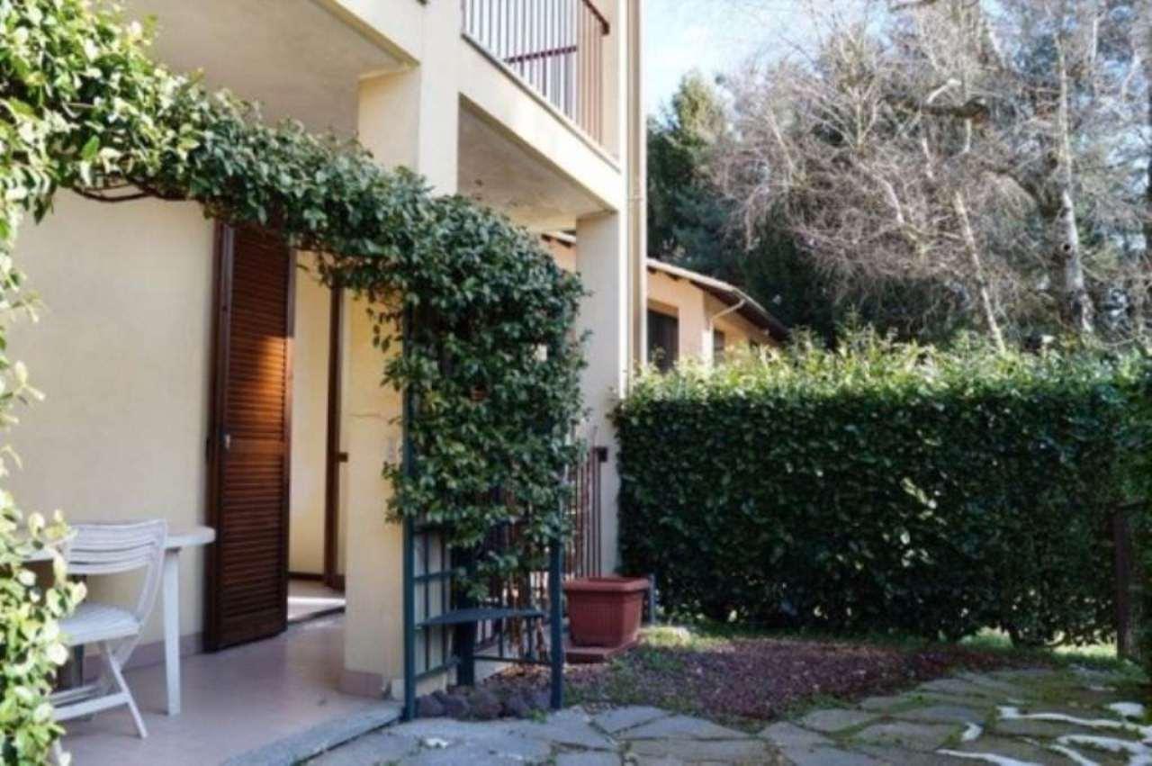 Appartamento in vendita a Sesto Calende, 3 locali, prezzo € 139.000 | Cambio Casa.it