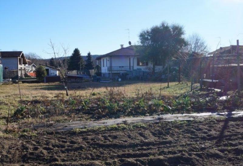 Terreno Edificabile Residenziale in vendita a Angera, 9999 locali, prezzo € 120.000 | Cambio Casa.it