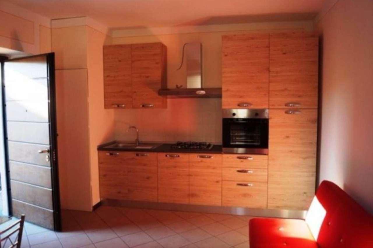 Appartamento in affitto a Sesto Calende, 2 locali, prezzo € 500 | Cambio Casa.it