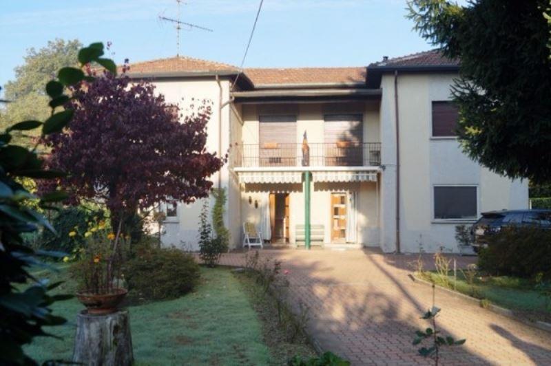Villa in vendita a Castelletto Sopra Ticino, 6 locali, prezzo € 195.000 | Cambio Casa.it