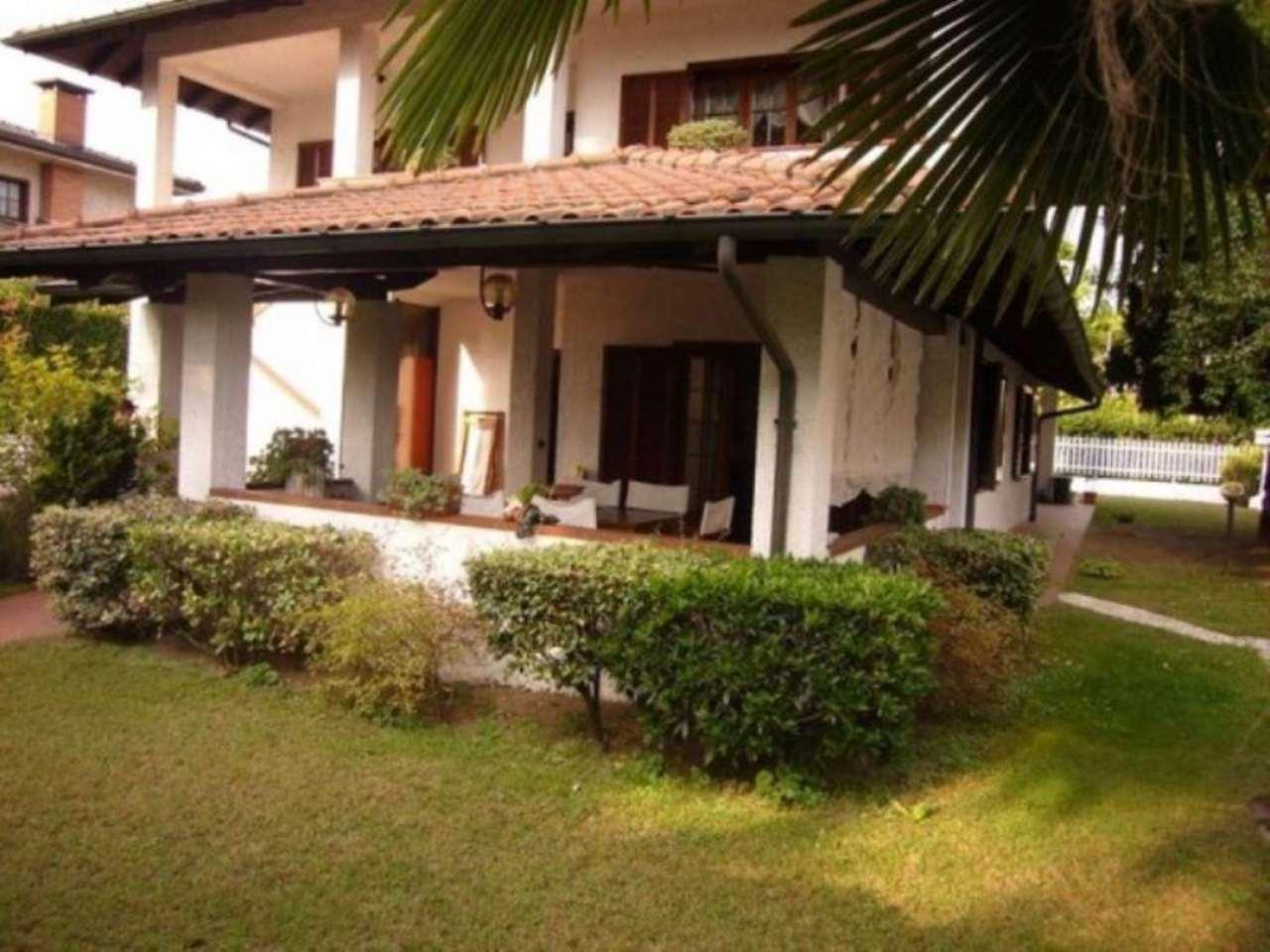 Villa in vendita a Sesto Calende, 5 locali, prezzo € 420.000 | CambioCasa.it