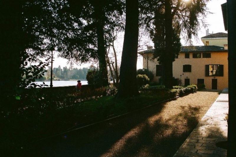 Appartamento in vendita a Sesto Calende, 3 locali, prezzo € 350.000 | Cambio Casa.it