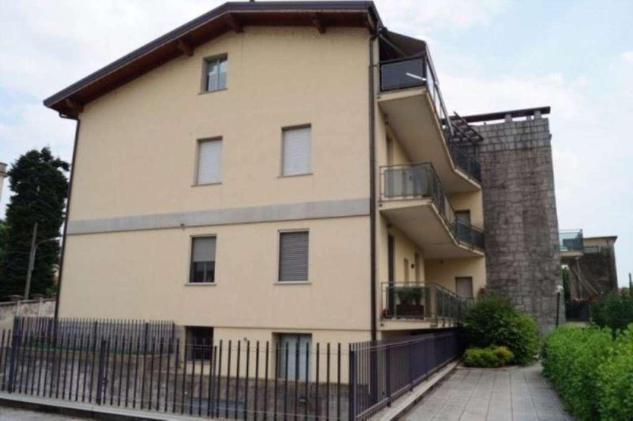 Bilocale Castelletto sopra Ticino Via Santa Lucia 9