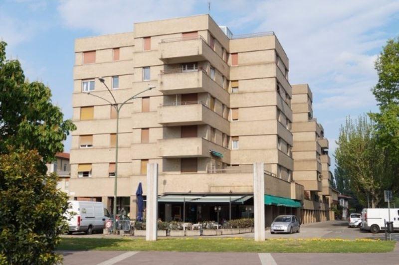 Appartamento in affitto a Angera, 3 locali, prezzo € 600 | CambioCasa.it