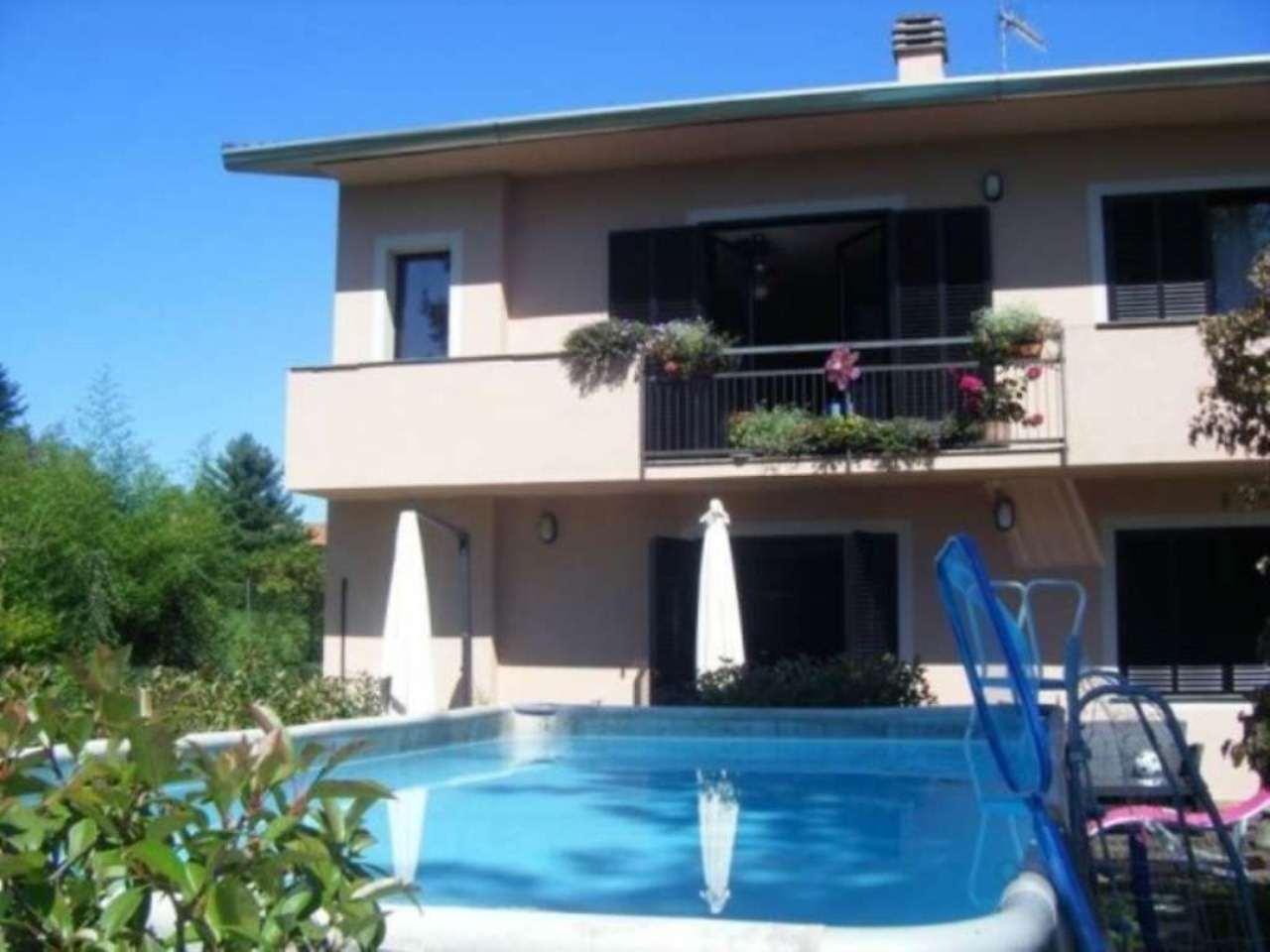 Villa in vendita a Sesto Calende, 5 locali, Trattative riservate | Cambio Casa.it