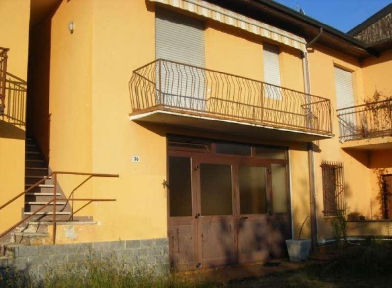 Appartamento in vendita a Osmate, 3 locali, prezzo € 65.000 | Cambio Casa.it
