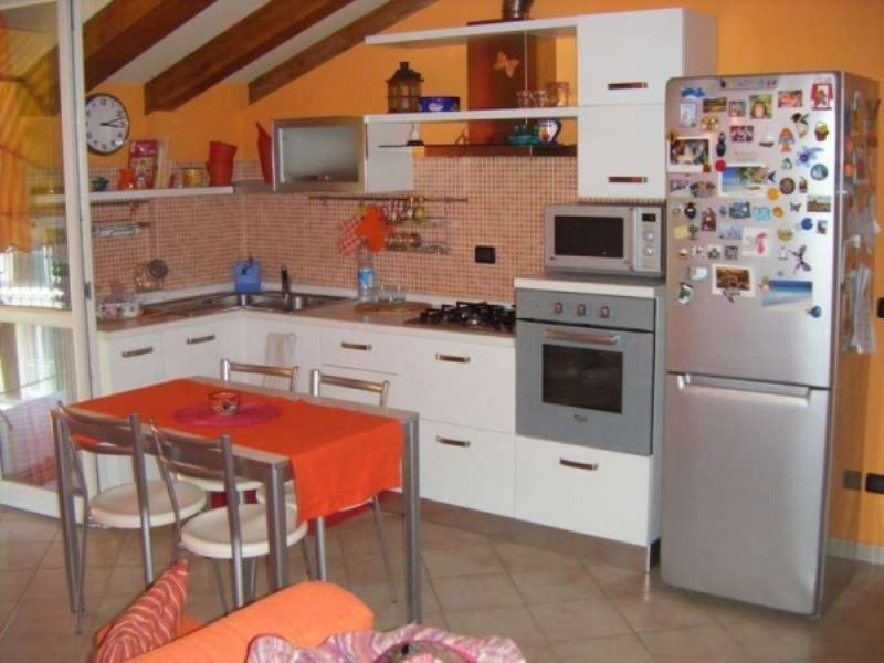 Appartamento in Vendita a Travedona-Monate