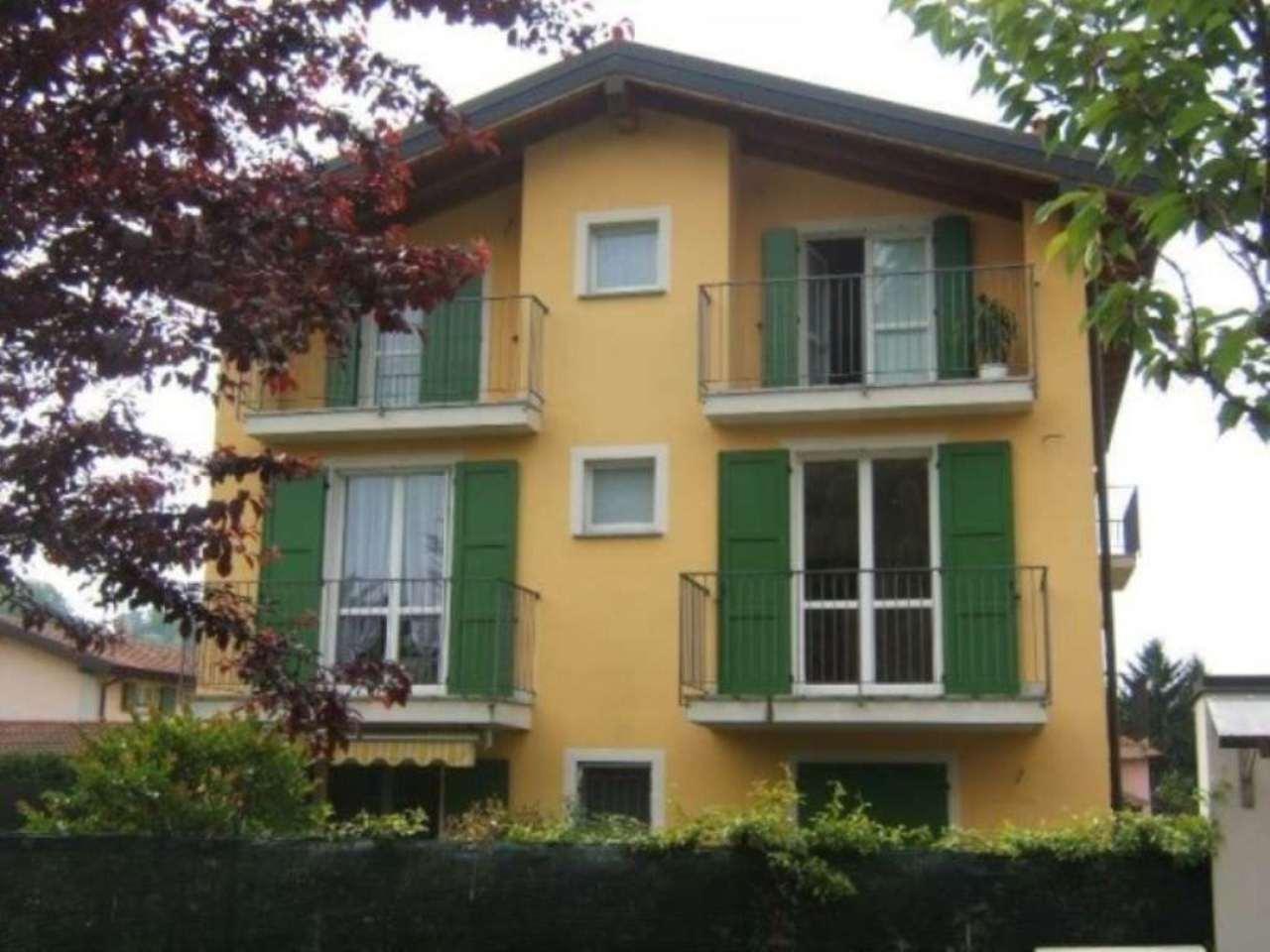 Appartamento in vendita a Travedona-Monate, 3 locali, prezzo € 125.000 | Cambio Casa.it