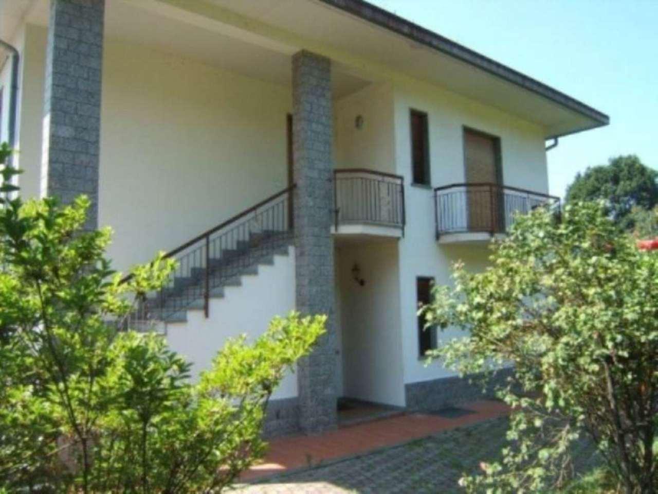 Villa in vendita a Taino, 6 locali, prezzo € 310.000 | Cambio Casa.it
