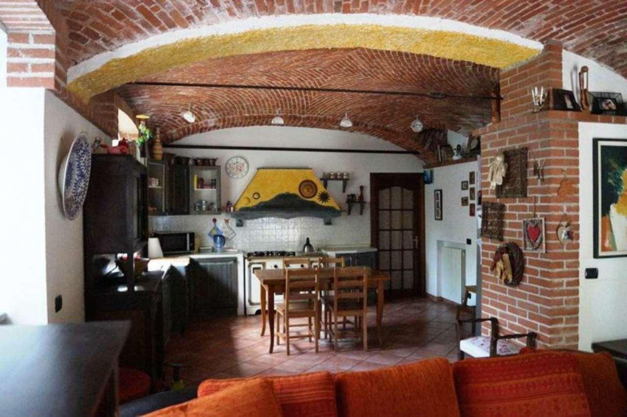 Appartamento in vendita a Castelletto Sopra Ticino, 4 locali, prezzo € 185.000 | Cambio Casa.it