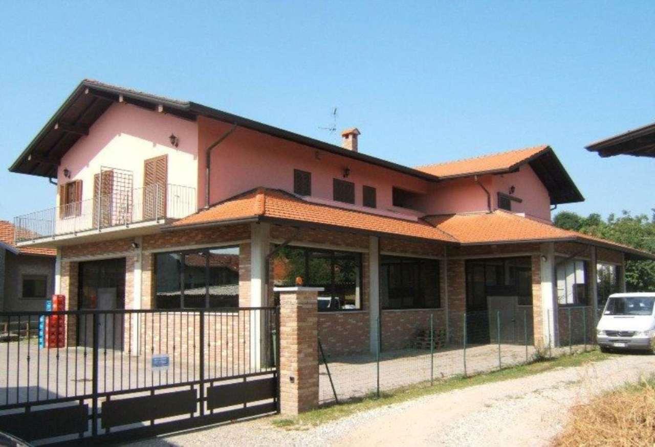 Bilocale Vergiate Via Roma 1