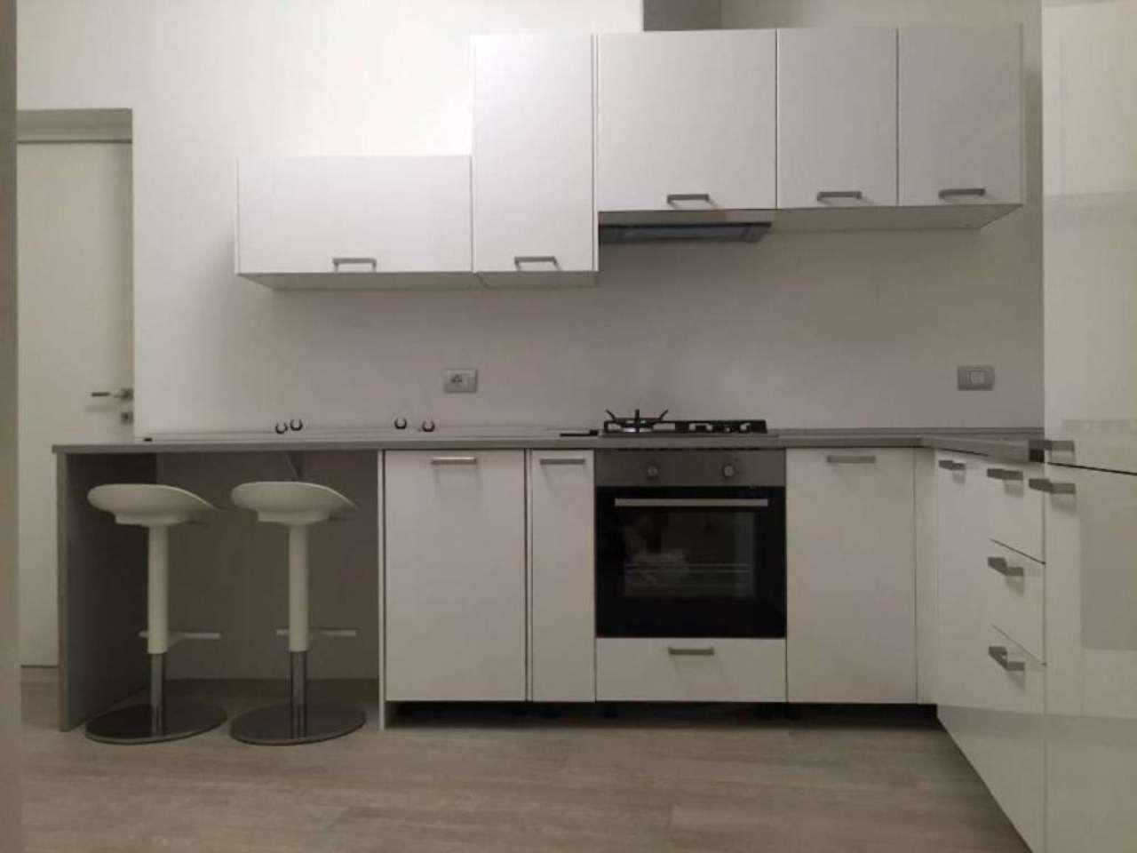 Appartamento in affitto a Sesto Calende, 2 locali, prezzo € 700 | CambioCasa.it