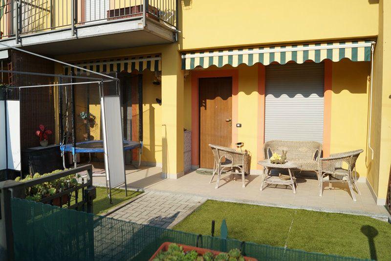 Villa a Schiera in affitto a Arona, 4 locali, prezzo € 1.100 | Cambio Casa.it