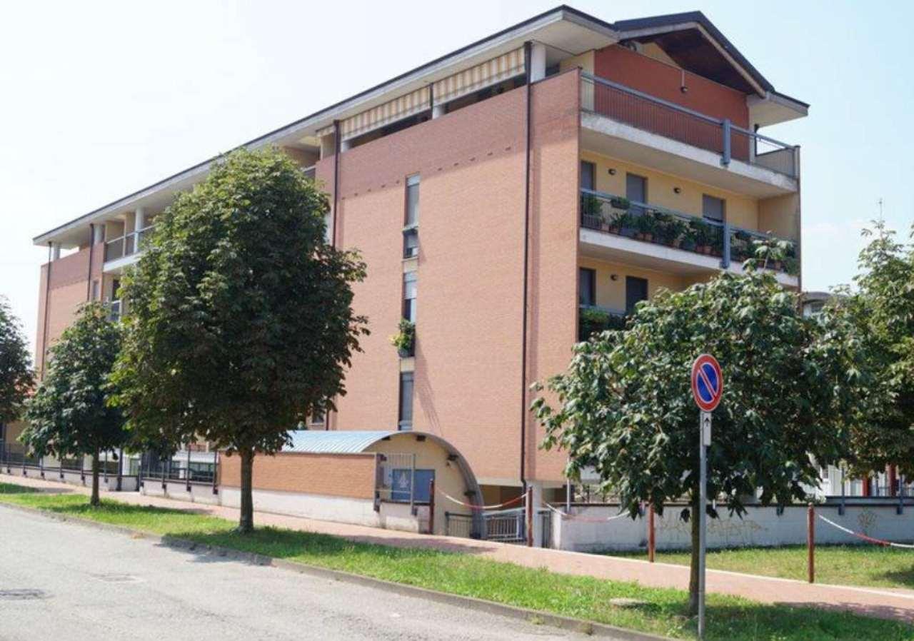 Bilocale Cardano al Campo Via Via Puccini 8
