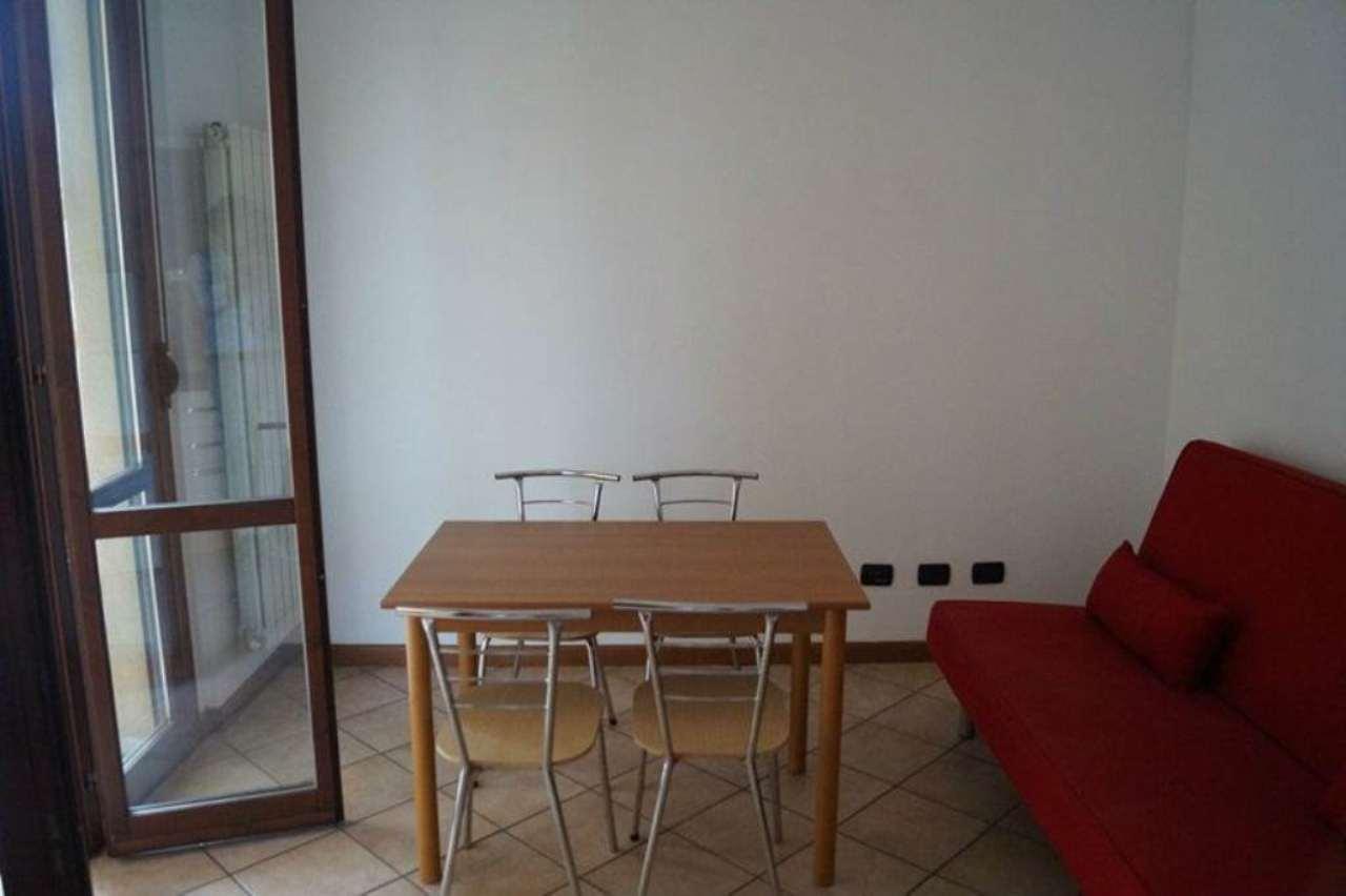 Bilocale Cardano al Campo Via Via Puccini 9
