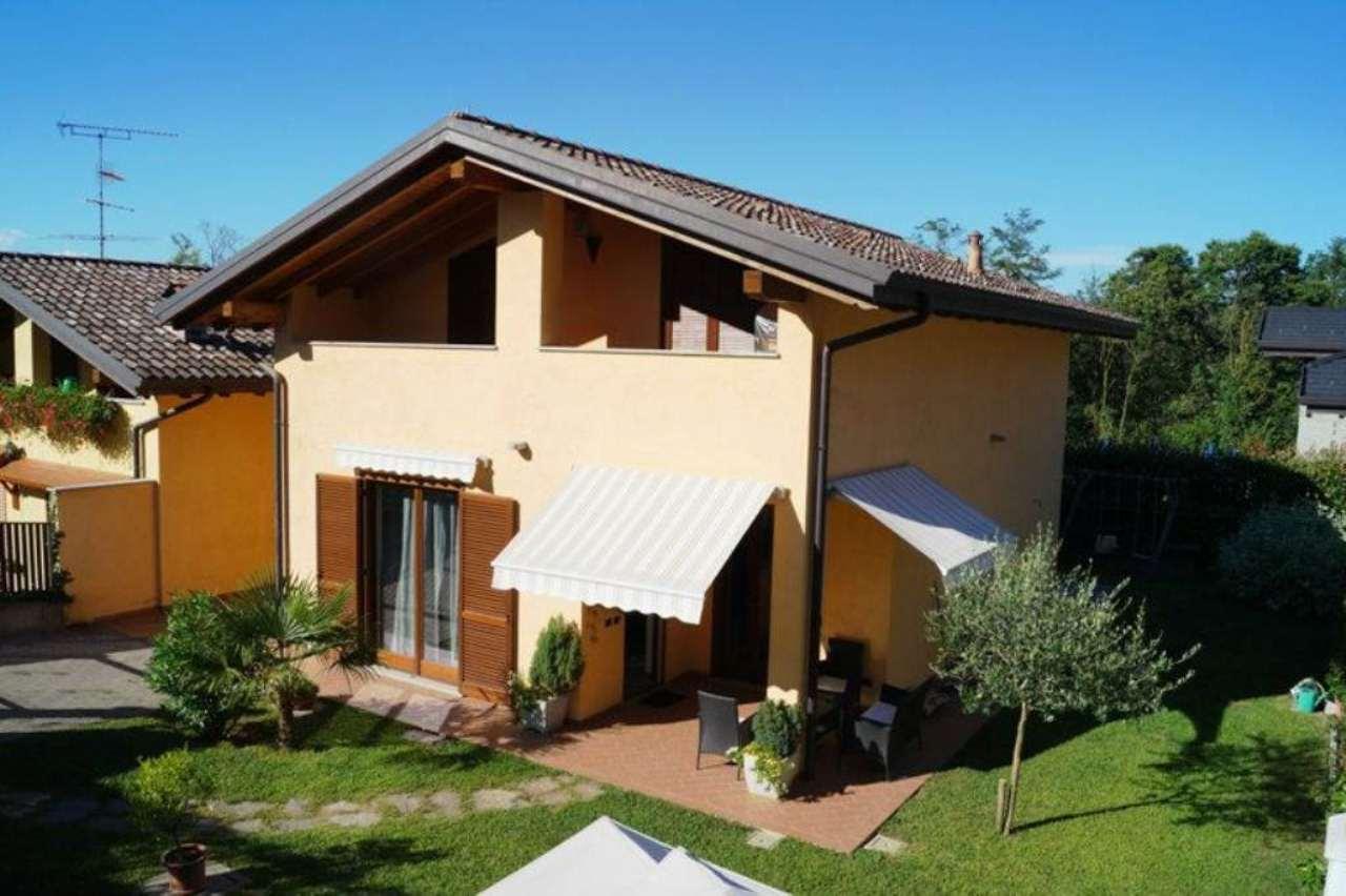 Villa in vendita a Borgo Ticino, 4 locali, prezzo € 220.000 | Cambio Casa.it