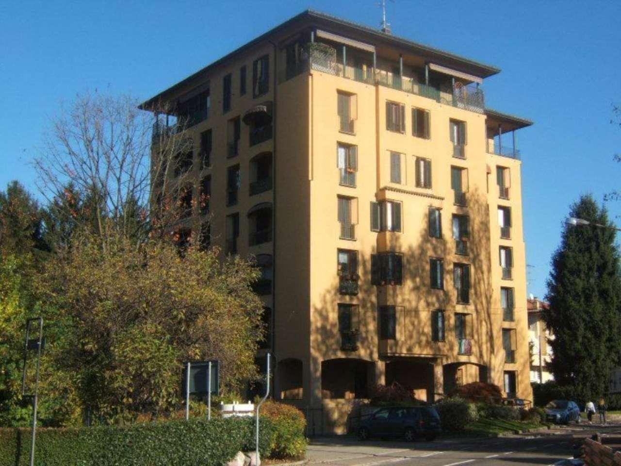 Appartamento in vendita a Sesto Calende, 2 locali, prezzo € 115.000 | Cambio Casa.it