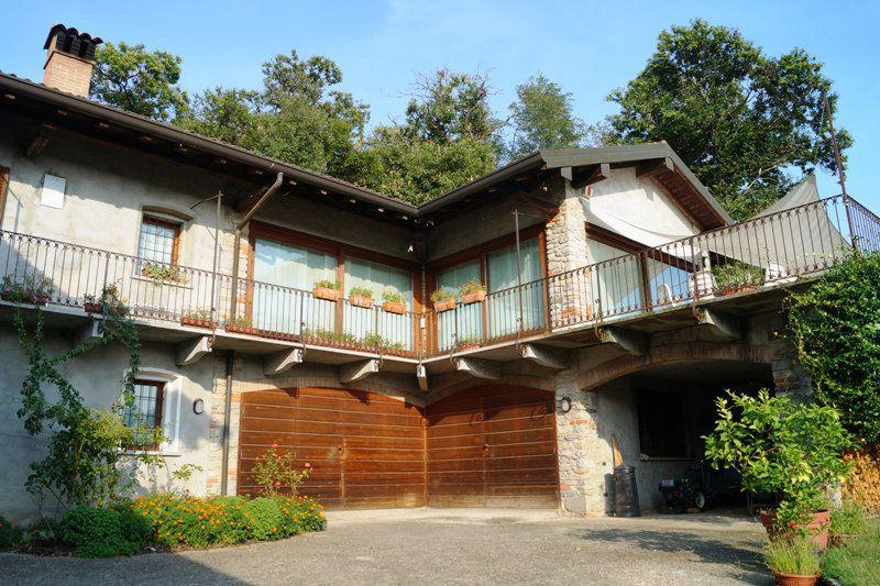 Villa in affitto a Ispra, 6 locali, prezzo € 1.500 | Cambio Casa.it