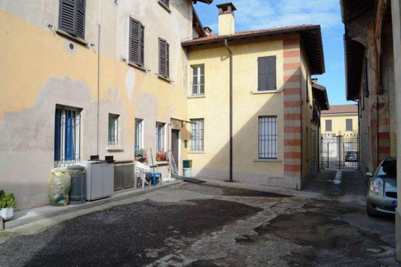 Bilocale Ispra Via Roma 4