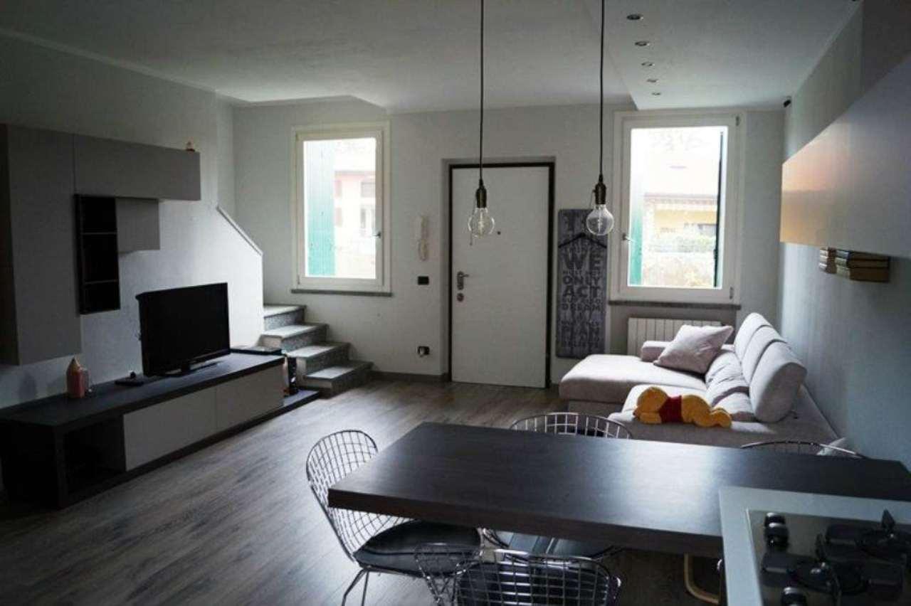 Villa in affitto a Ispra, 3 locali, prezzo € 990 | Cambio Casa.it