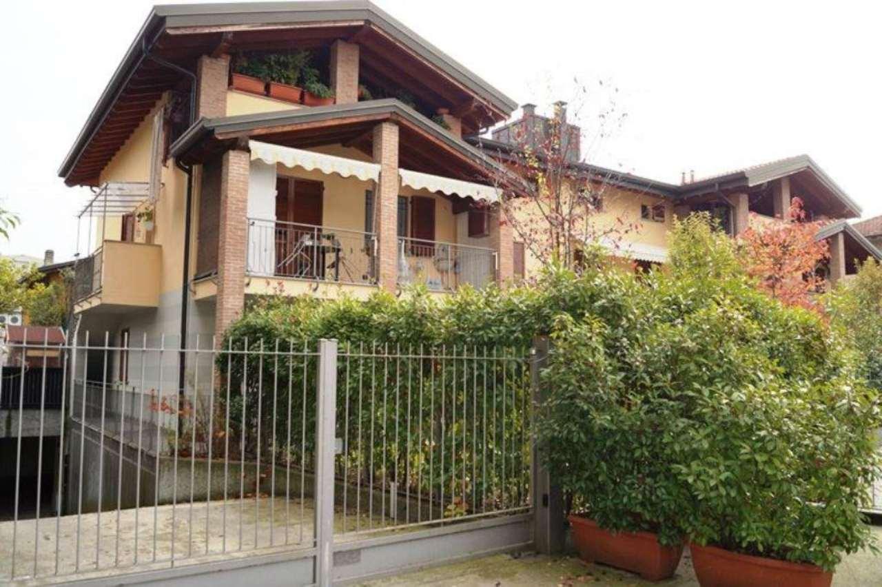 Appartamento in vendita a Sesto Calende, 3 locali, prezzo € 158.000 | CambioCasa.it