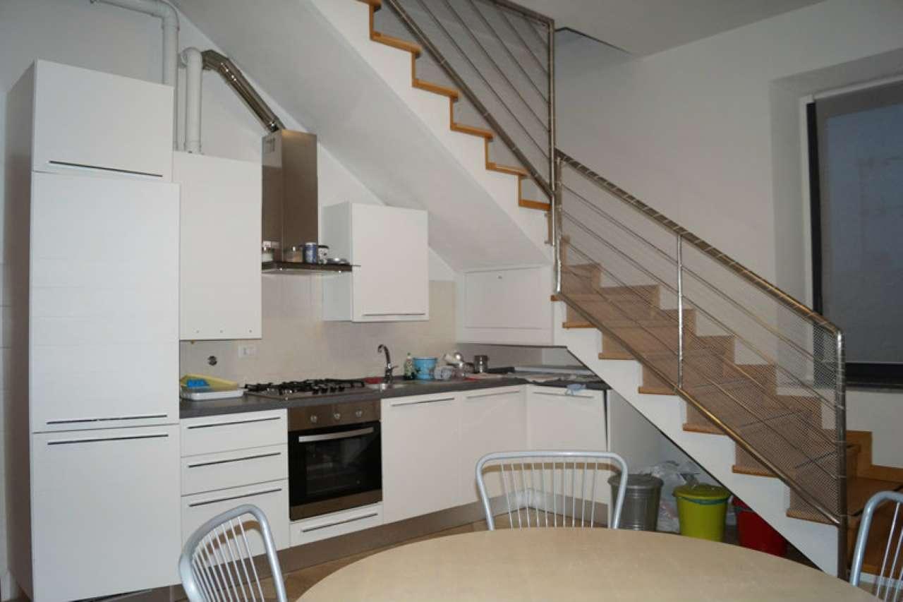 Appartamento in affitto a Taino, 3 locali, prezzo € 700 | Cambio Casa.it