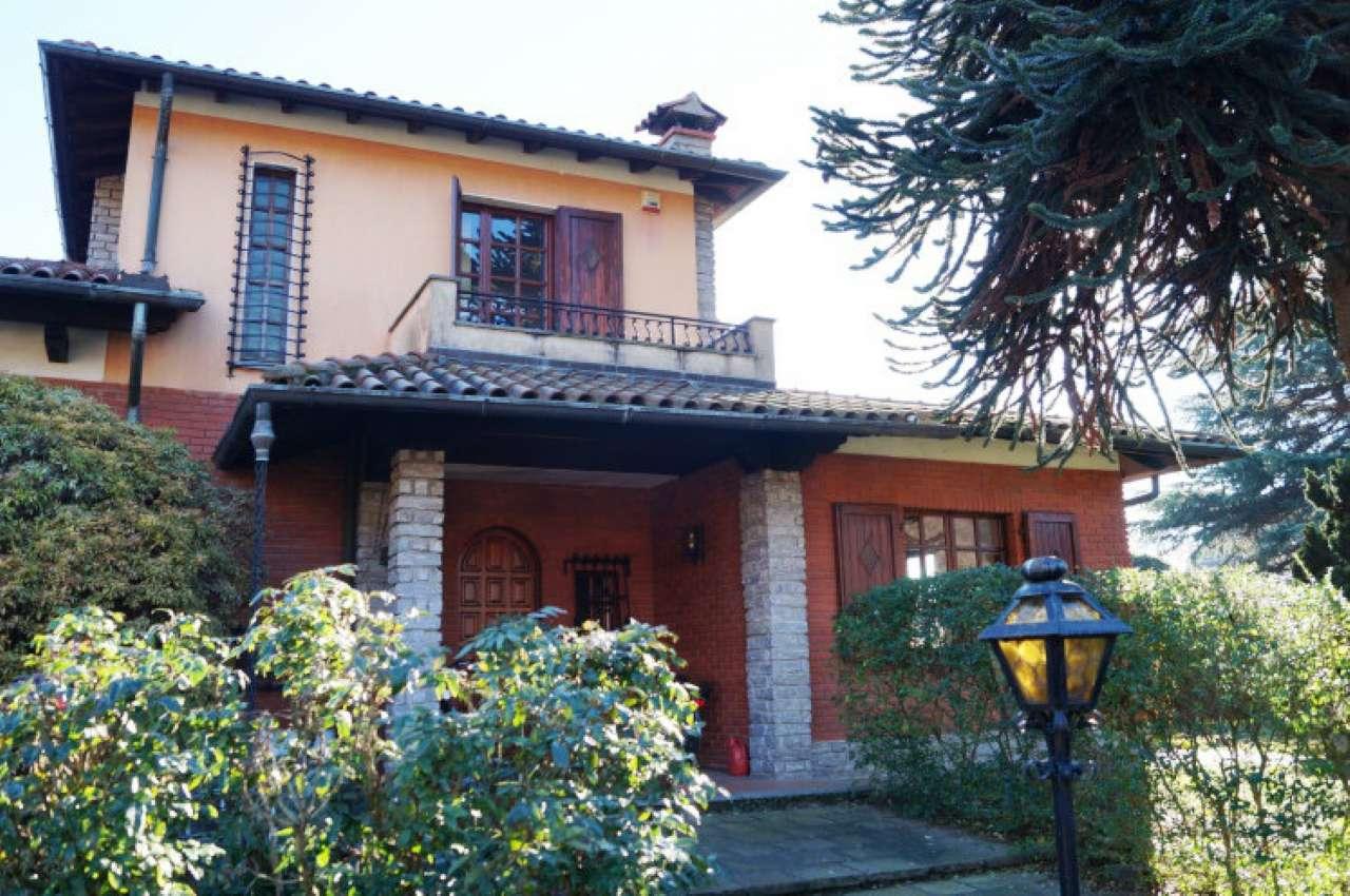 Villa in vendita a Ispra, 6 locali, prezzo € 550.000 | Cambio Casa.it
