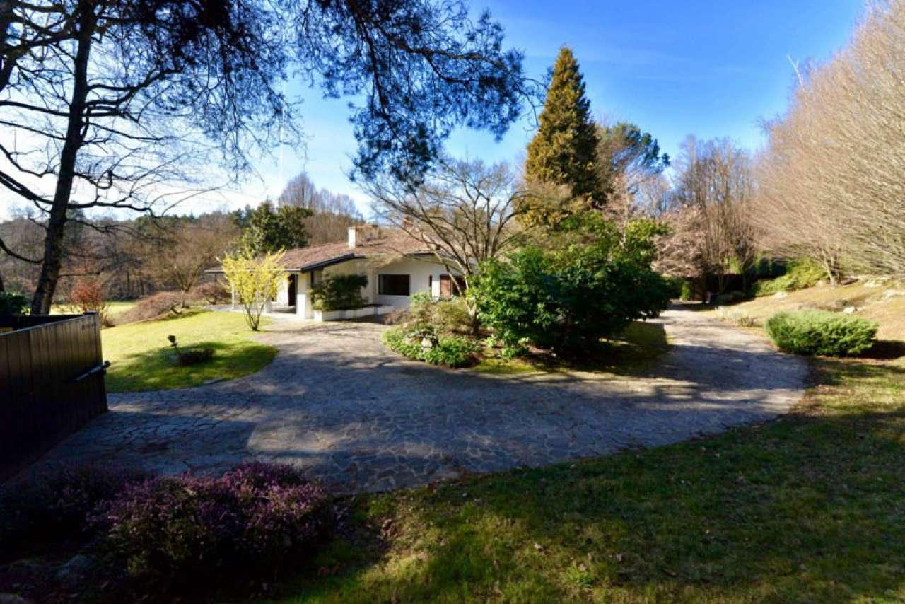 Villa in vendita a Taino, 5 locali, prezzo € 550.000 | Cambio Casa.it