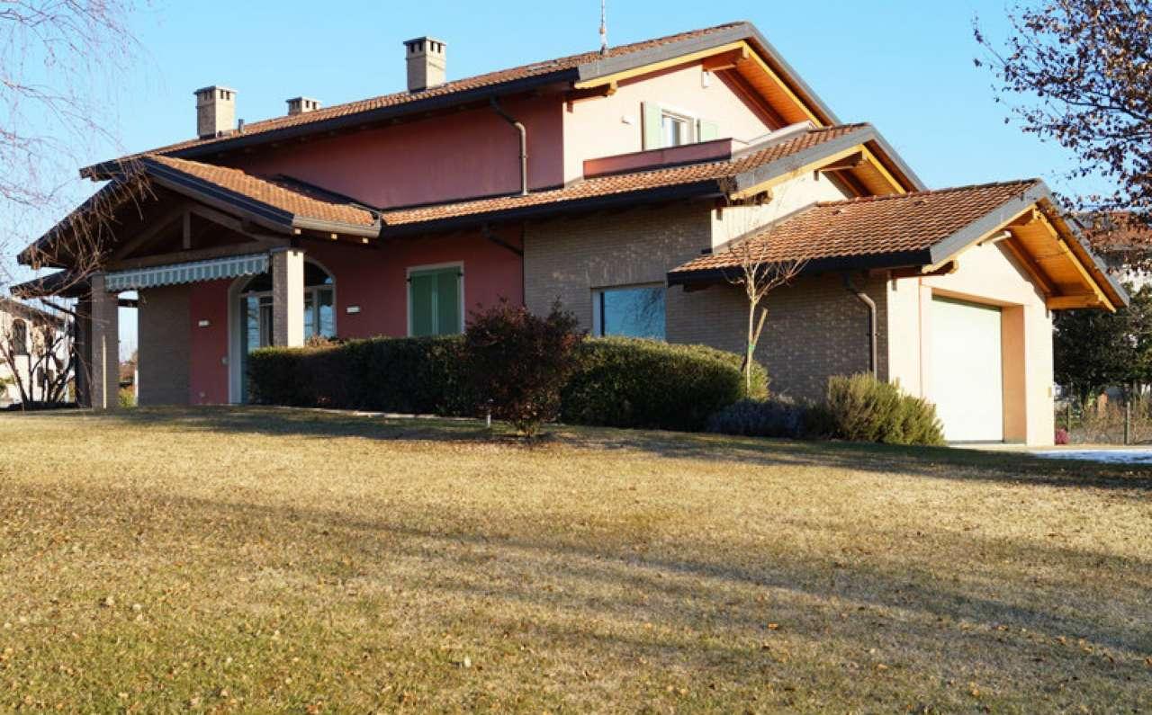 Villa in vendita a Veruno, 5 locali, prezzo € 595.000 | Cambio Casa.it