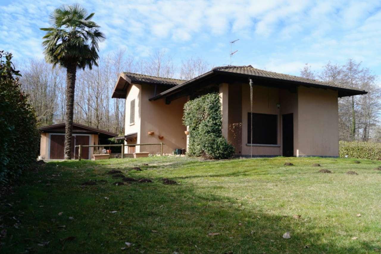 Villa in Vendita a Cadrezzate