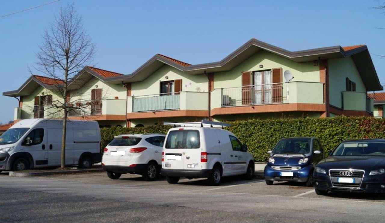 Appartamento in Vendita a Ispra