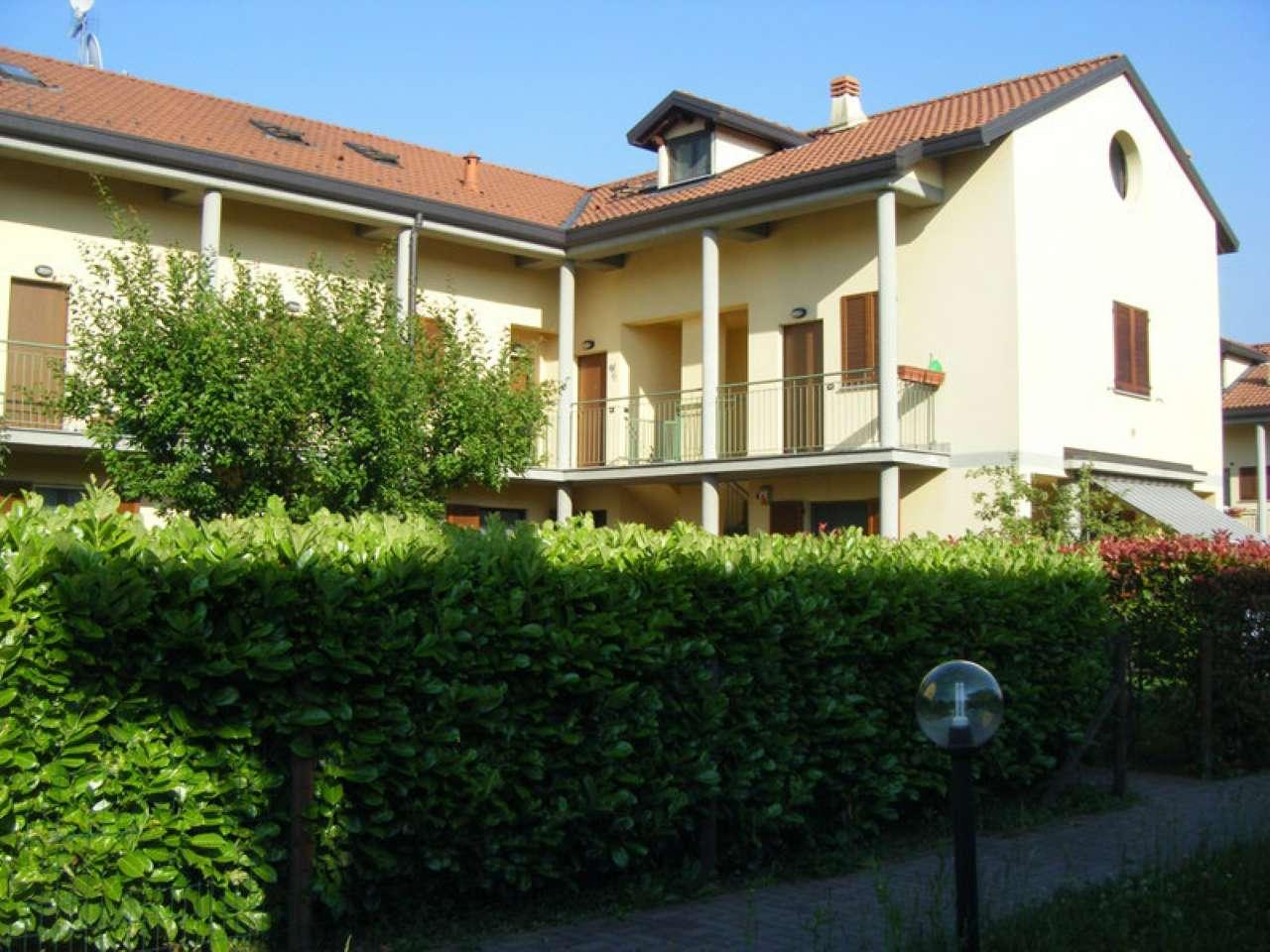 Appartamento in affitto a Osmate, 3 locali, prezzo € 600 | Cambio Casa.it