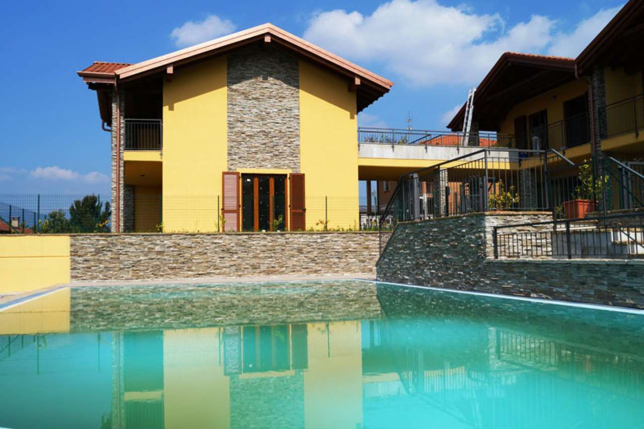 Appartamento in vendita a Varano Borghi, 2 locali, prezzo € 135.000 | Cambio Casa.it