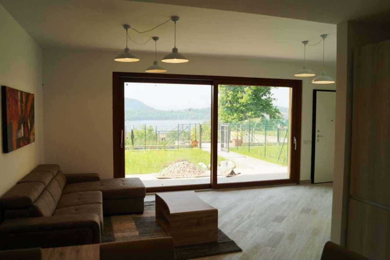 Villa in vendita a Varano Borghi, 4 locali, prezzo € 280.000 | CambioCasa.it