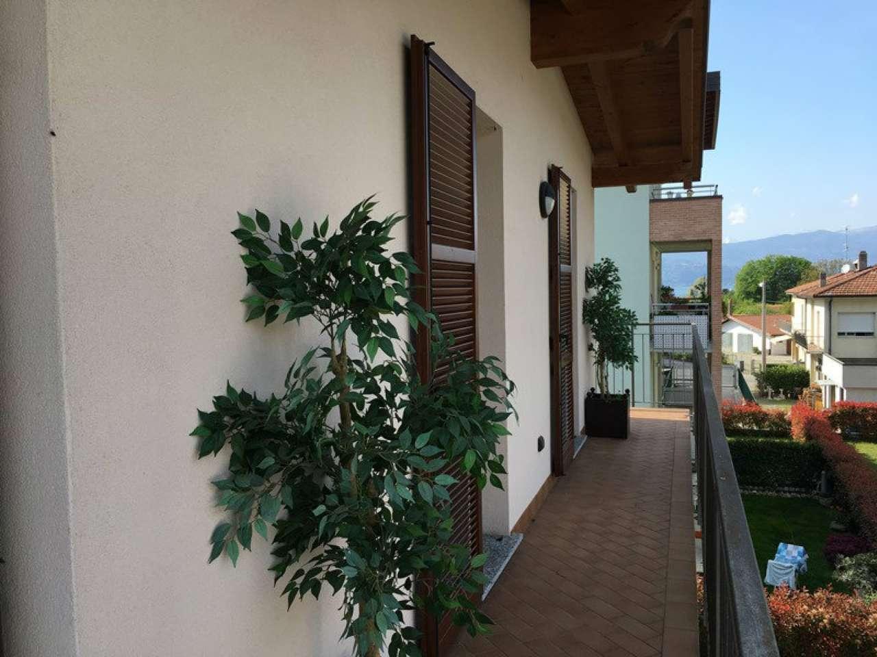 Appartamento in vendita a Sesto Calende, 4 locali, prezzo € 220.000 | CambioCasa.it