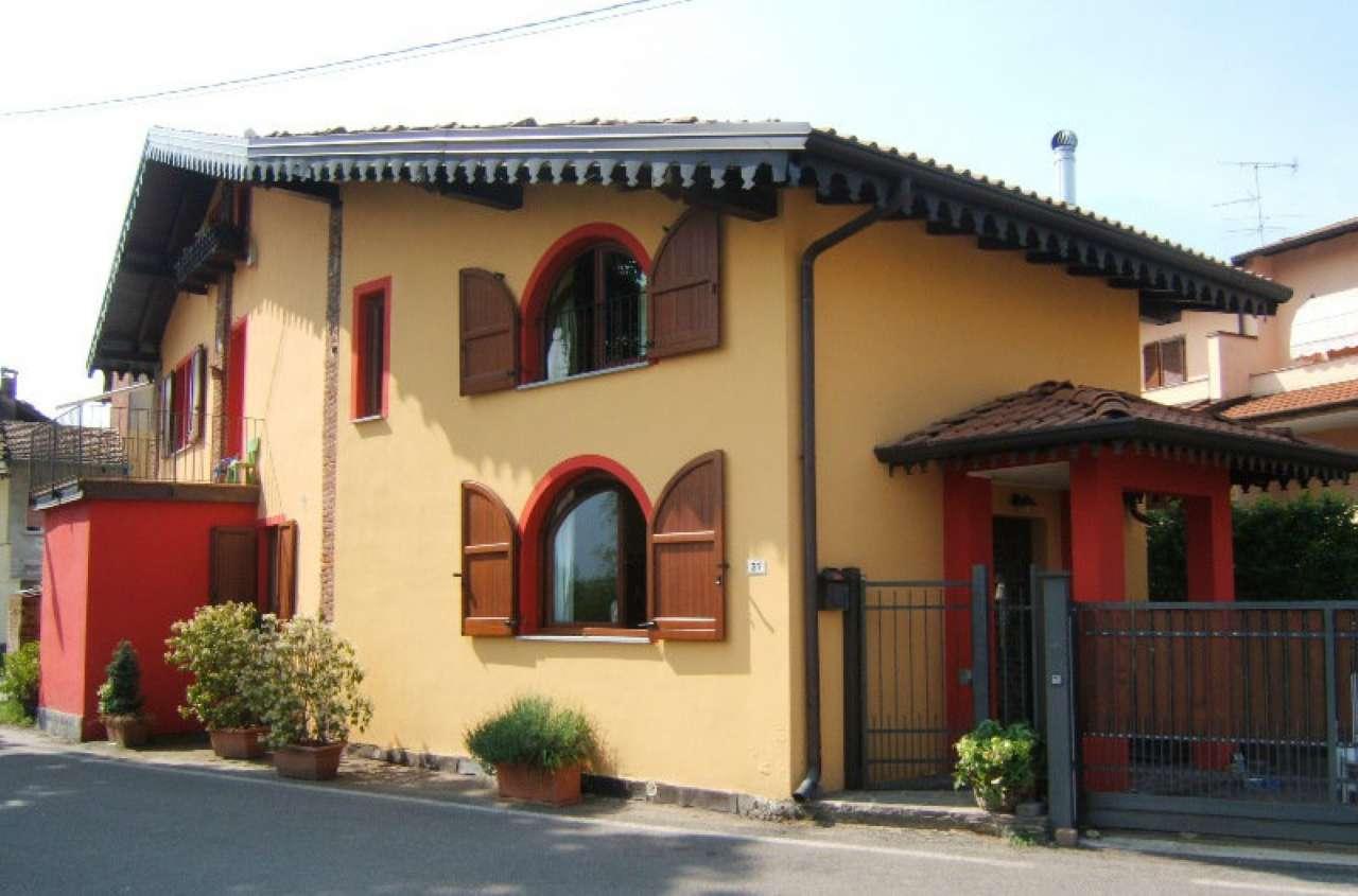 Villa in vendita a Castelletto Sopra Ticino, 4 locali, prezzo € 145.000 | Cambio Casa.it