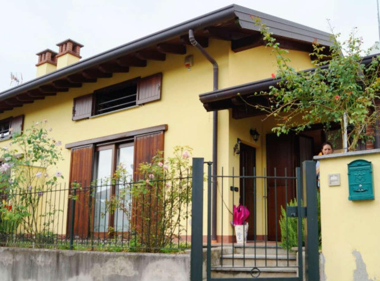 Villa Bifamiliare in affitto a Borgo Ticino, 6 locali, prezzo € 800 | CambioCasa.it