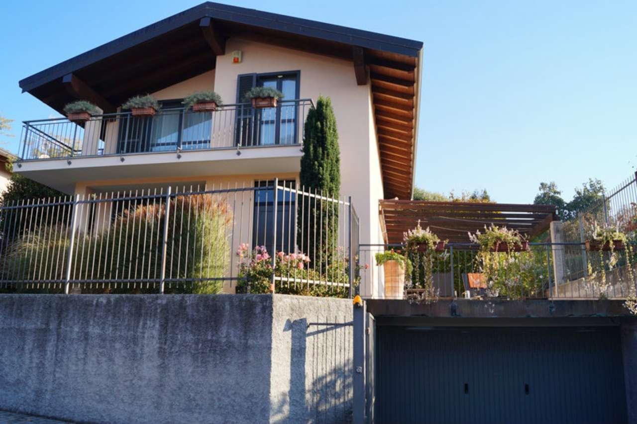 Villa in vendita a Sesto Calende, 4 locali, prezzo € 389.000 | CambioCasa.it