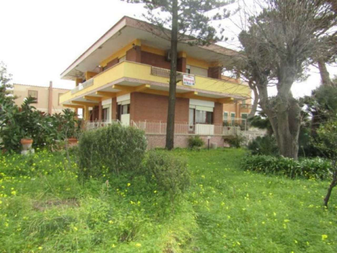 Villa in vendita a Santa Marinella, 15 locali, prezzo € 625.000   Cambio Casa.it