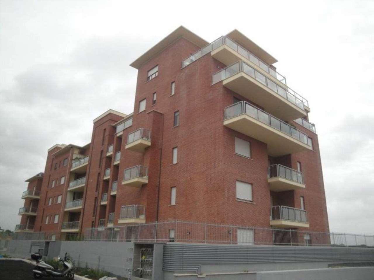 Attico / Mansarda in affitto a Roma, 2 locali, zona Zona: 8 . Tiburtina, Colli Aniene, Pietrasanta, San Basilio, prezzo € 800   Cambio Casa.it