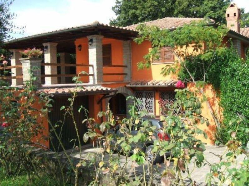 Villa in vendita a Bracciano, 5 locali, prezzo € 620.000   Cambiocasa.it