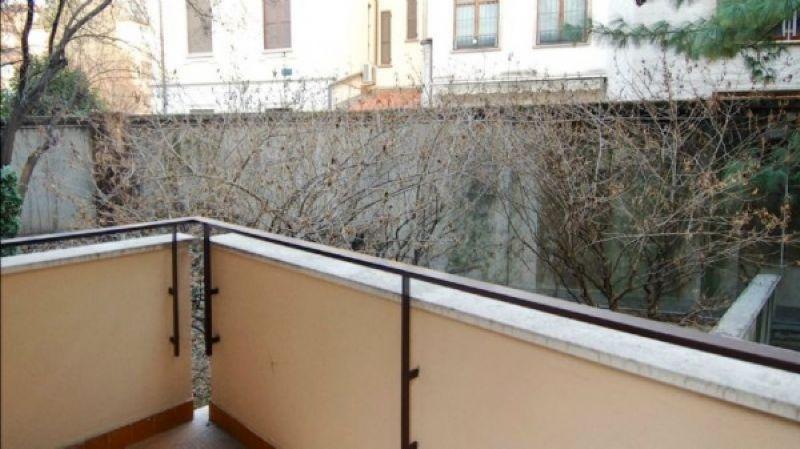 Bilocale Milano Via Via Monferrato 12