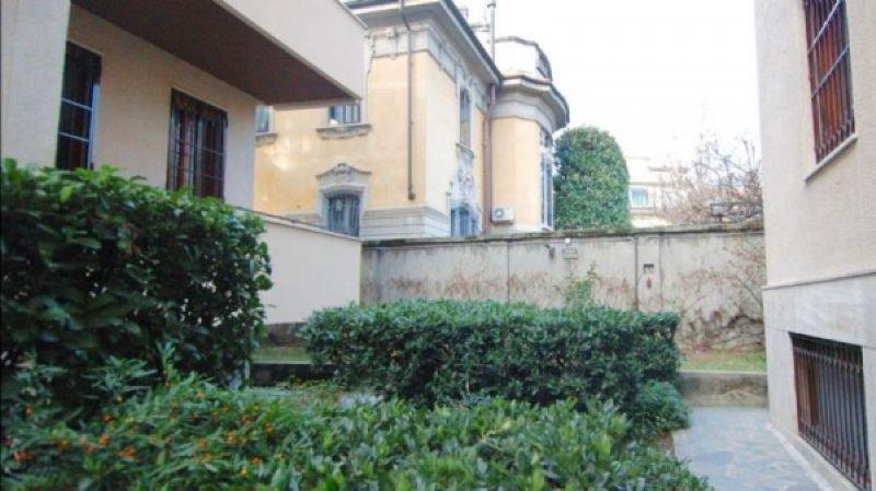 Affitto  bilocale Milano Via Via Monferrato 1 1089493
